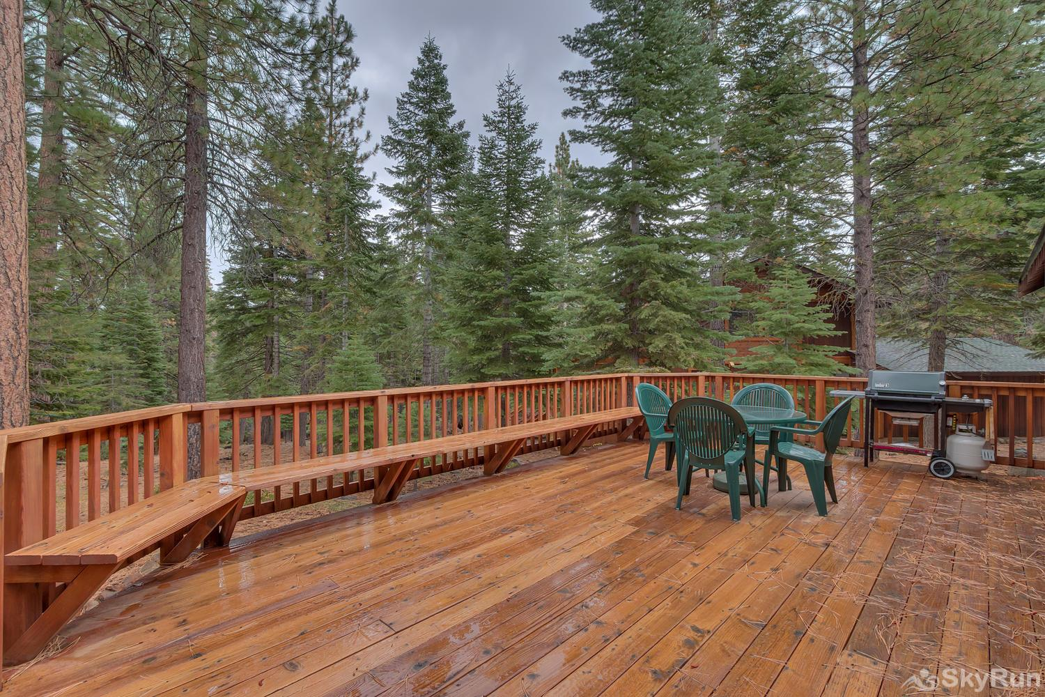 Grizzly Bear Cabin at Northstar Spacious Deck