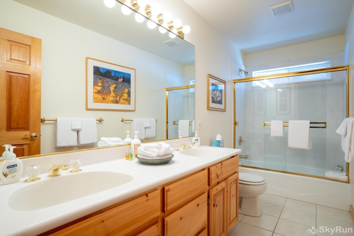 Talmont Ridge Retreat Full Guest Bathroom (lower level)